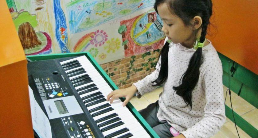 Chọn mua đàn organ cho bé 10 tuổi