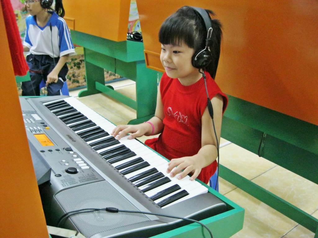 đàn organ dành cho cho bé 5 tuổi