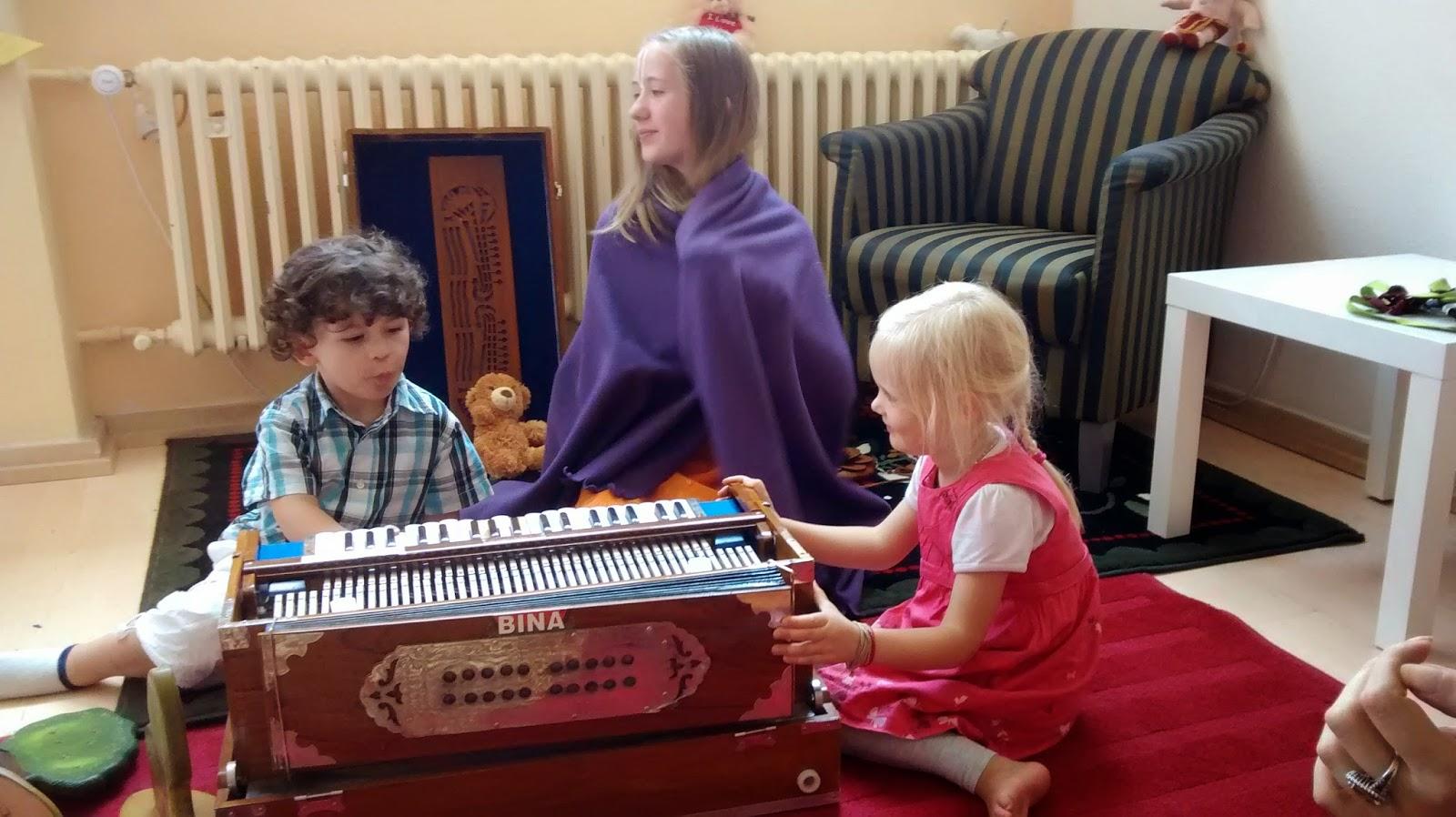 Chọn mua đàn organ cho trẻ mầm non