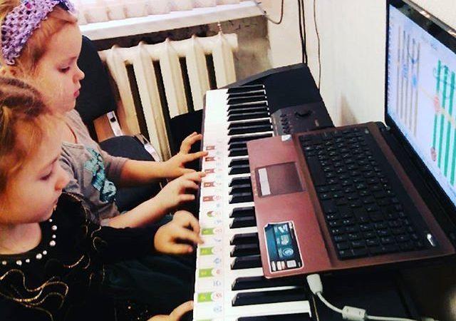 Chọn mua đàn organ cho bé tầm 7 -8 tuổi