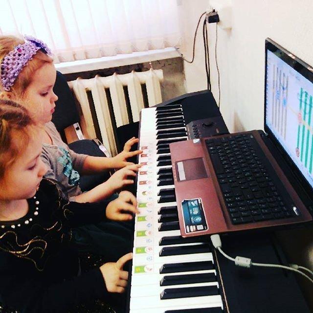 Top 5 mẫu đàn organ cho bé gái