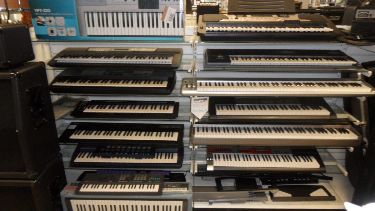 So sánh đàn Organ Roland và Casio