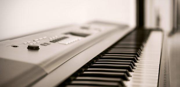 đàn organ 76 phím