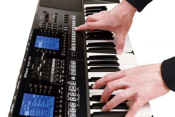 Chơi một bản nhạc trên đàn Organ như thế nào