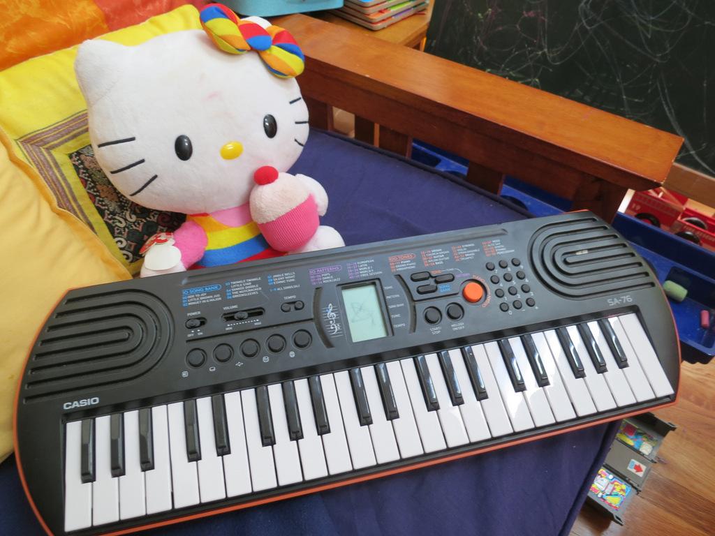 đàn organ mini cho bé thơ