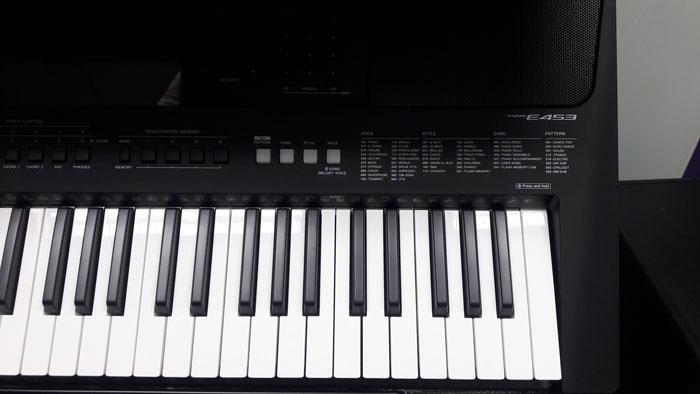Các phím đàn organ Yamaha PSR E453